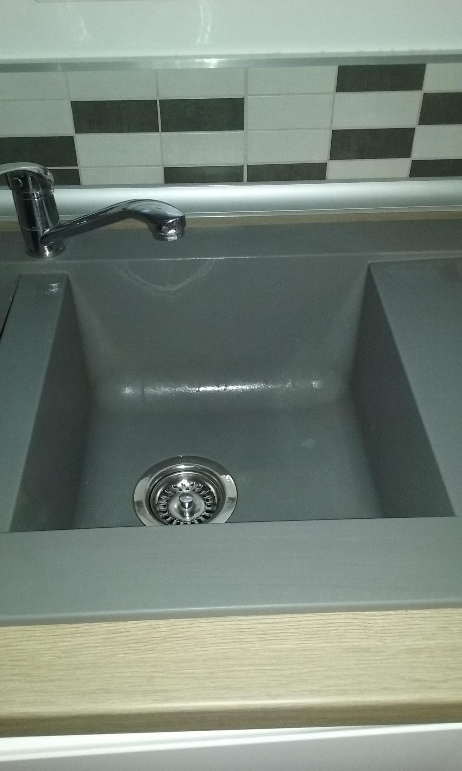 Comment Nettoyer Evier Resine Blanc redonner de l'éclat à un évier en résine gris, noir